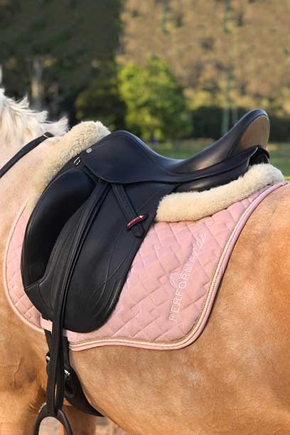 liquid glitter jump saddle pad pink left side close up performa ride