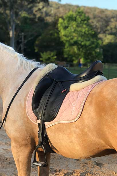 liquid glitter jump saddle pad pink left side performa ride